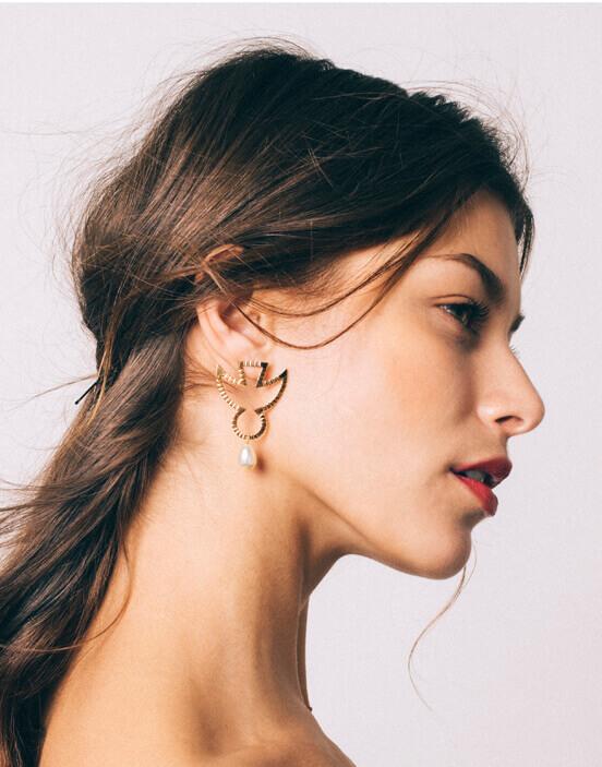 Yvonne Perle Earrings